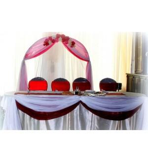 Алое оформление свадебного зала