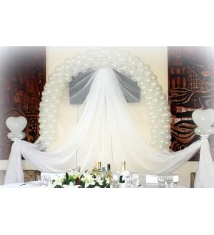 Белоснежное оформление свадебного зала